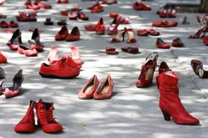scarpe-contro-la-violenza-delle-donne