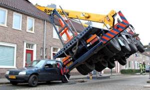 Crane falls on house in Netherlands