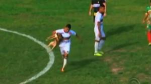 cane-morde-calciatore-lui-subito-dopo-segna-un-gol