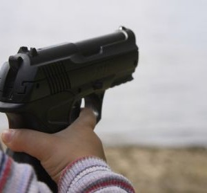bambino-pistola-300x279