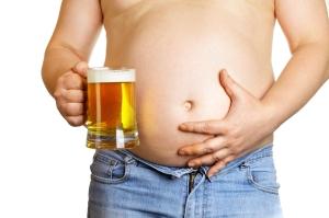 alcol-ingrassare-pancia-birra