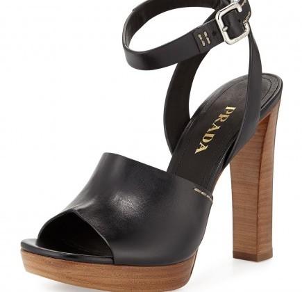 sandali-in-pelle-nera