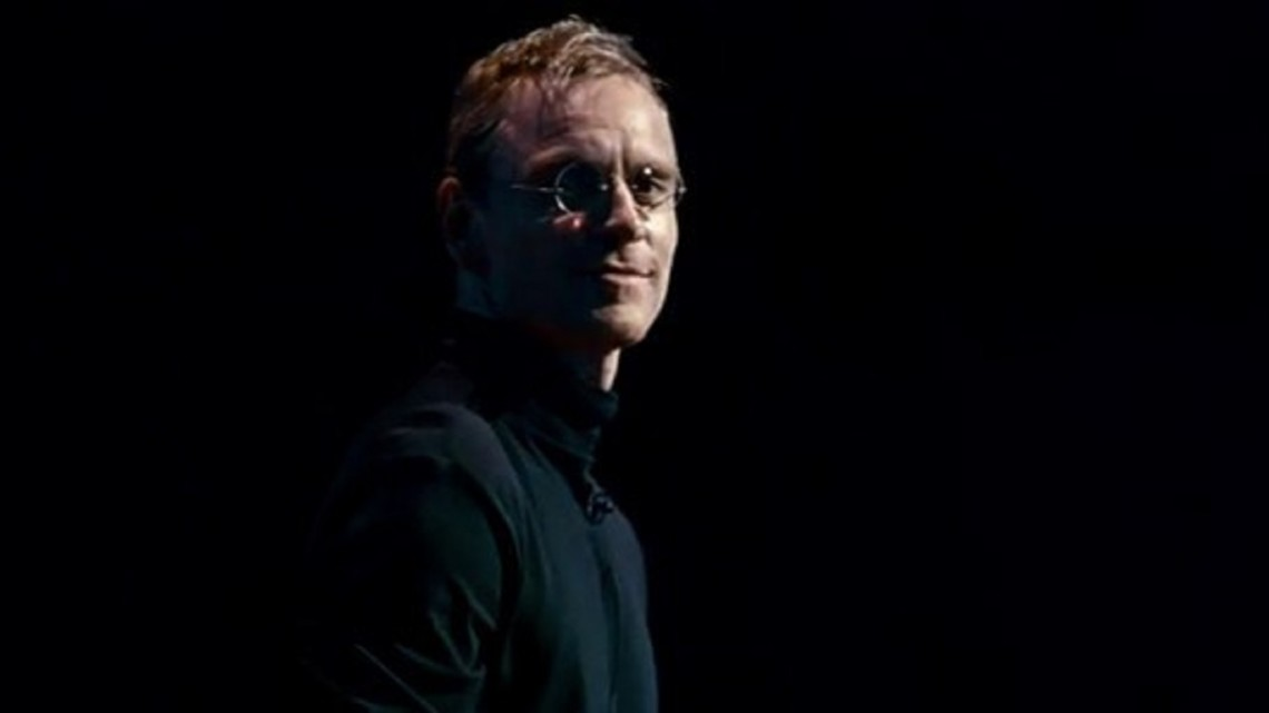 stevejobs-fassbender-turtleneck-black-stage-700x300