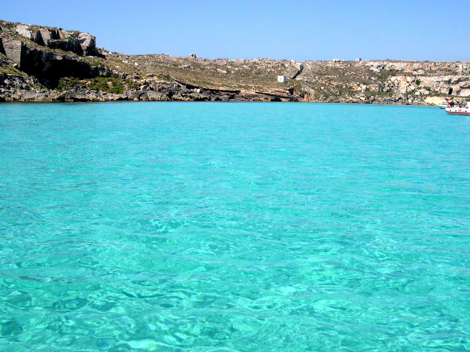 Le 10 spiagge pi belle d 39 italia for Calla rossa