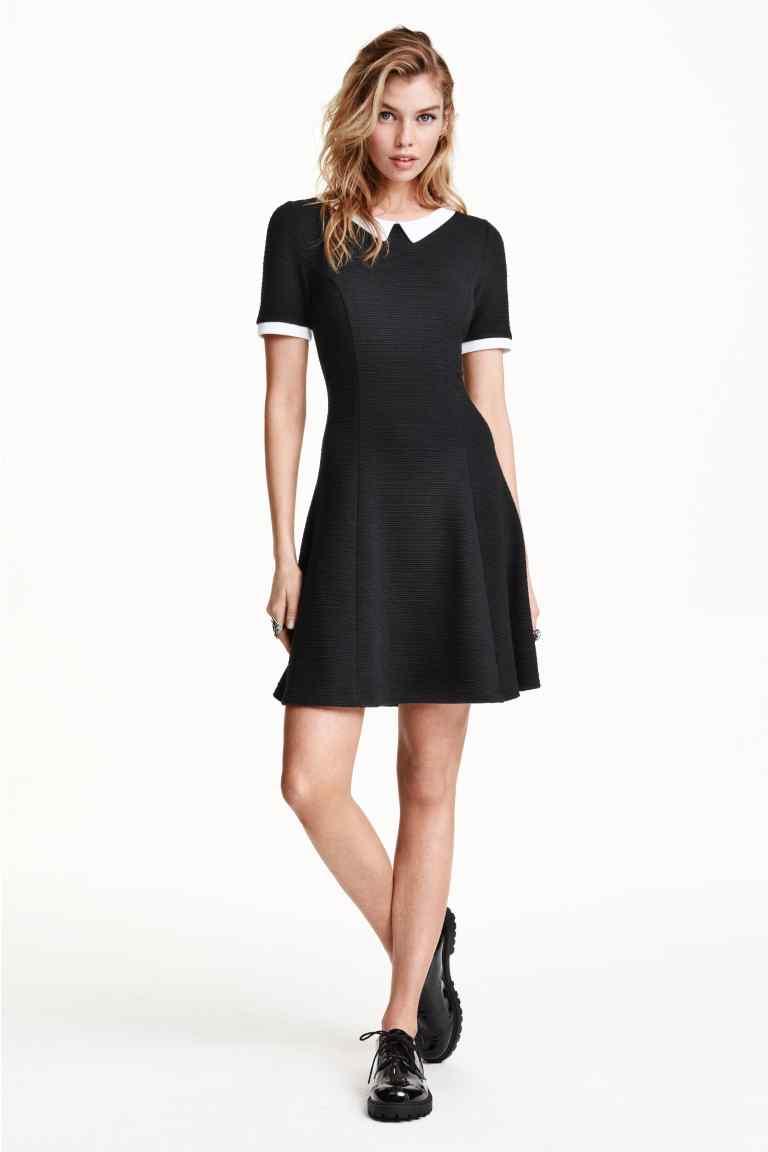 fdb531de85eb Vestito nero colletto bianco – Abiti alla moda