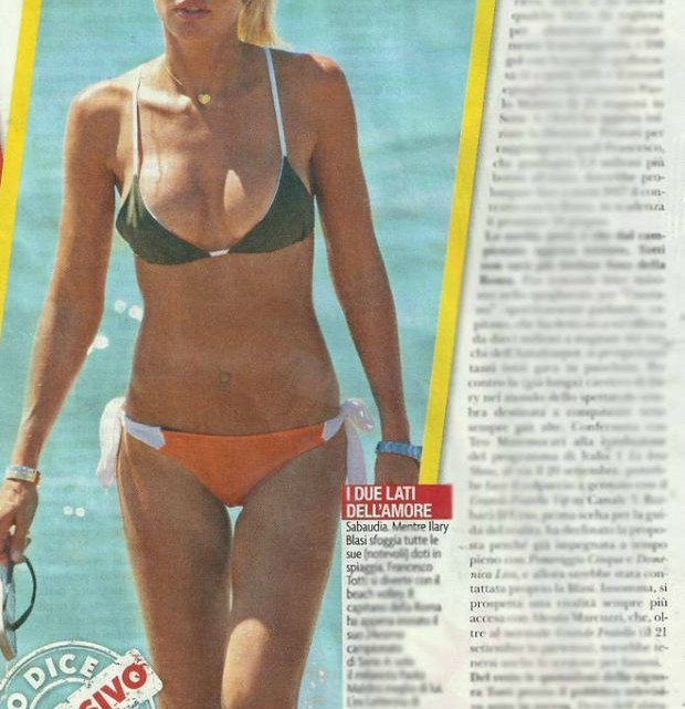ilary-blasi-bikini-21