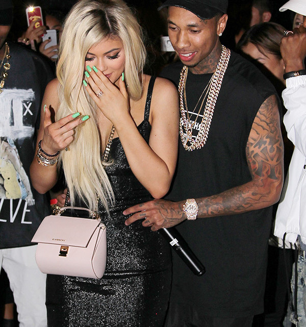 kylie-jenner-18-birthday-party-21-tyga-ffn (1)