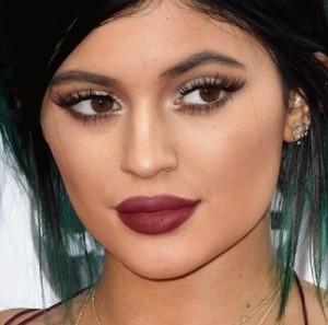 Anche se sono rifatte,  quelle di Kylie Jenner sono il perfetto esempio di labbra a cerchio