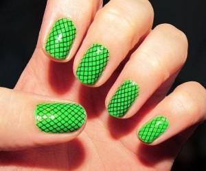 unghie-con-effetto-rete-verde